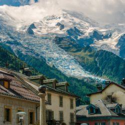 Signature de l'arrêté de protection du Mont-Blanc pour encadrer la fréquentation
